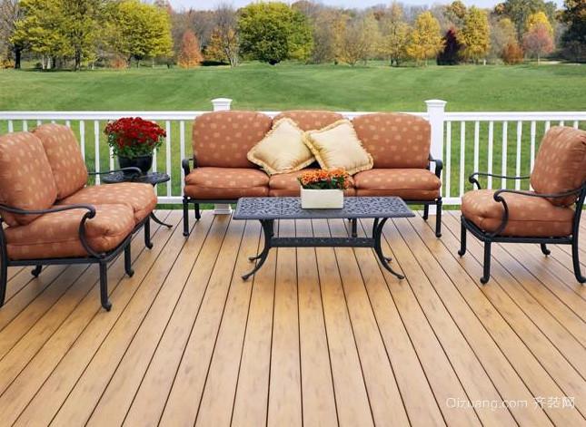 美式简约风格别墅阳台原木地板装修效果图