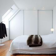 小户型白色卧室图