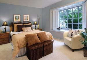 现代美式20平米卧室飘窗装修设计效果图