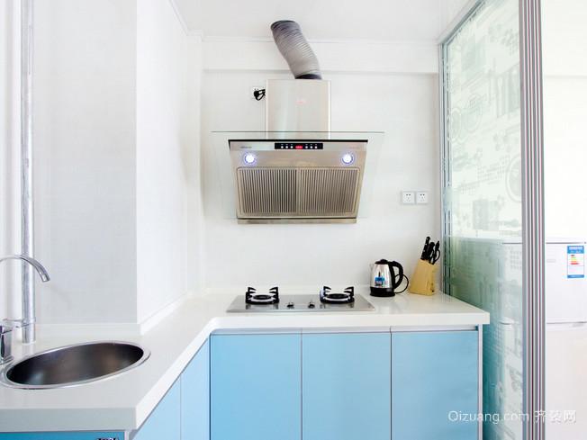 小户型简约清新L型开放式厨房装修效果图