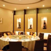 暖色调饭店效果图片