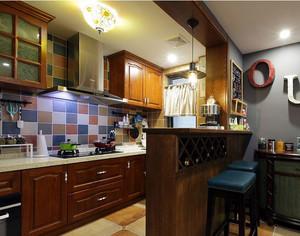 小户型美式厨房吧台设计装修效果图