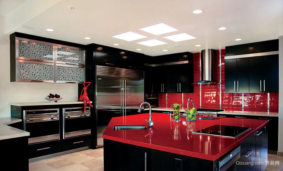 简约时尚复式楼厨房不锈钢橱柜效果图