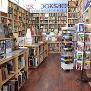 大型书店设计装修效果图