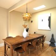 现代欧式大户型餐厅实木餐桌装修效果图