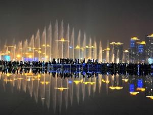大型简约风格海滨大气音乐喷泉装修效果图