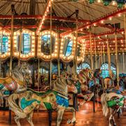 大型简约风格儿童游乐场旋转木马装修效果图