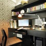 后现代风格深色书房工作台装修效果图