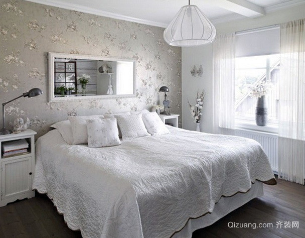 欧式简约风格白色系印花卧室墙饰装修图