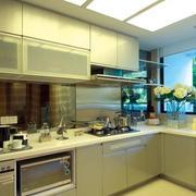 淡色调厨房设计图片