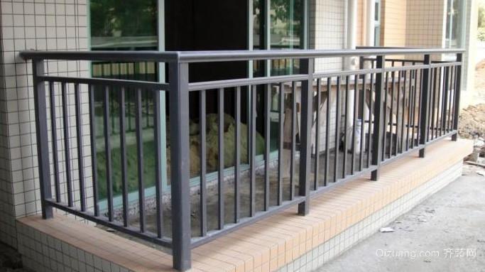大户型实用阳台护栏装修效果图