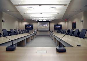 现代唯美的精致会议室吊顶装修效果图鉴赏