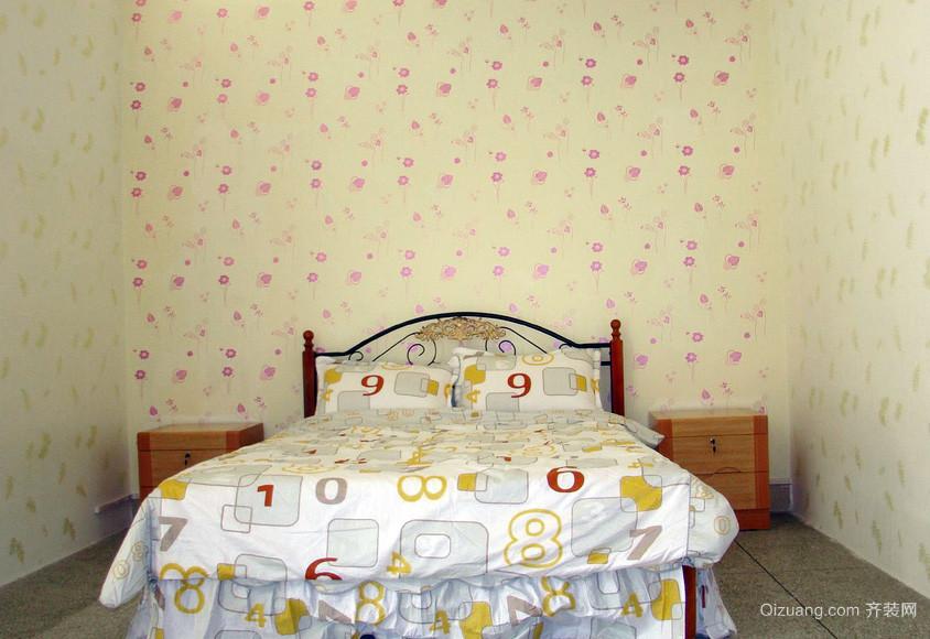 二居室暖色调液体壁纸装修效果图片