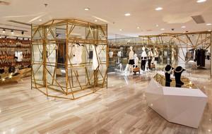 都市超大型服装店装修设计效果图