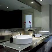 别墅精巧型卫生间洗脸盆装修效果图