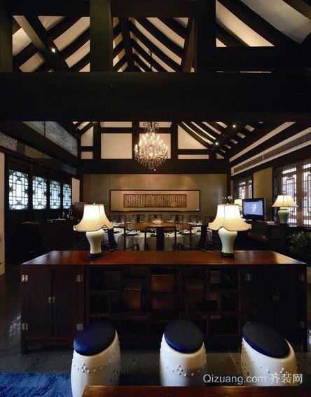 大型美式风格深色系原木酒楼装修效果图