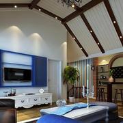 美式简约风格斜顶阁楼客厅吊顶装修效果图