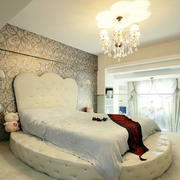 跃层式住宅卧室现代水晶吊灯效果图