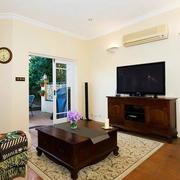 美式简约风格复式楼客厅原木茶几装饰