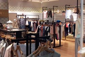 都市50平米小服装店装修设计效果图