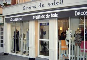 外国欧式小型服装店装修设计效果图