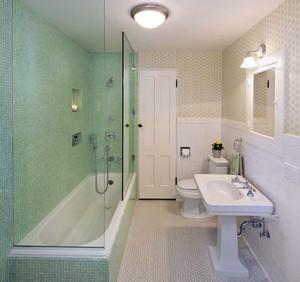 128平米温馨色调卫生间装修效果图