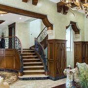 别墅舒适实木楼梯