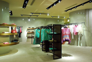 时尚简约40平米服装店装修设计效果图