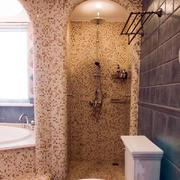 三室两厅淋浴装饰