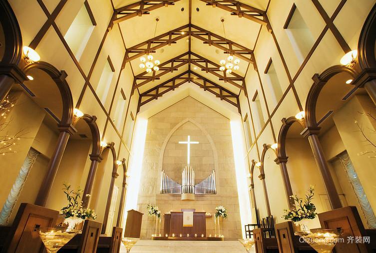 唯美浪漫欧式婚礼教堂装修效果图片