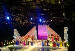 现代大型选美大赛舞台灯光设计效果图