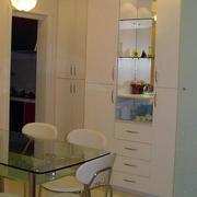 两室一厅现代简约风格客厅储物柜装修效果图