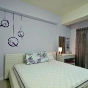 现代130平米两居室卧室壁纸装修图片