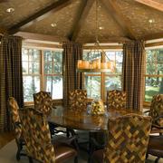 100平米美式木屋别墅餐厅装修效果图