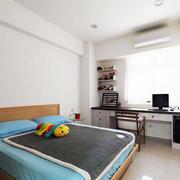公寓卧室小书桌