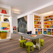 彩色大户型儿童房置物柜装修设计效果图