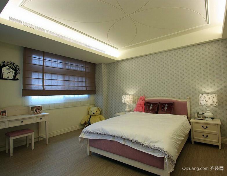 朴素简约大户型卧室壁纸装修图片