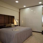 30平米后现代风格卧室衣柜装修效果图