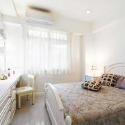 公寓洁白卧室展示