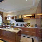 现代140平三居室厨房收纳橱柜装修效果图