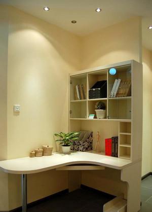 复式楼简约暖色系书房台式电脑桌装修效果图