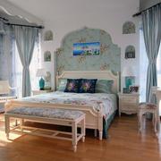 精美的卧室背景墙造型图