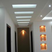 现代简约风格三室一厅过道吊顶装修效果图