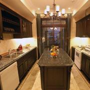 暖色调厨房造型图