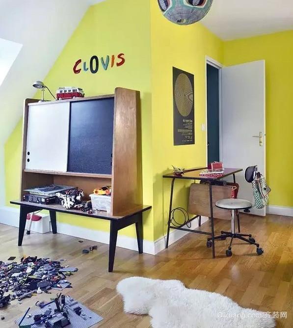 清新彩色小阁楼公寓装修效果图