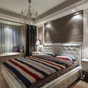 别墅卧室软包背景墙