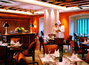 180平米欧式风格西餐厅饭店装修效果图