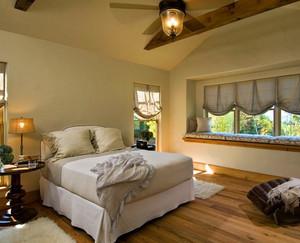 跃层宜家风格卧室装修效果图