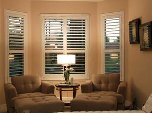 别墅都市风格大型卧室百叶窗帘装修图