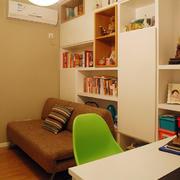 现代简约沙发背景置物柜